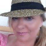 Amber Lea Easton avatar